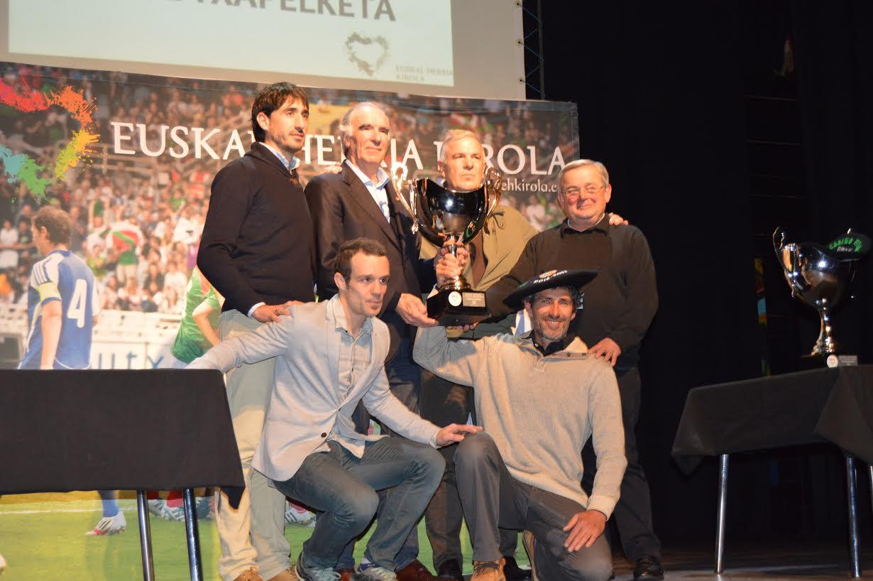 Euskal Herriko I gizonezkoen futbol txapelketa eta emakumezkoen VII kopa
