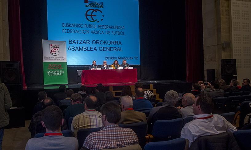 Euskadiko Futbol Federakundeko Presidente Luis Mari Elustondo jaunari