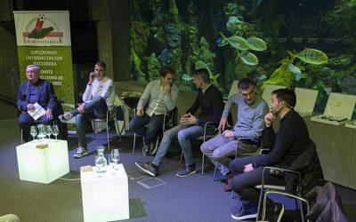 Lehen Mailako bost euskal taldeeetako entrenatzaileak, elkarrekin futbolaz hausnartzen
