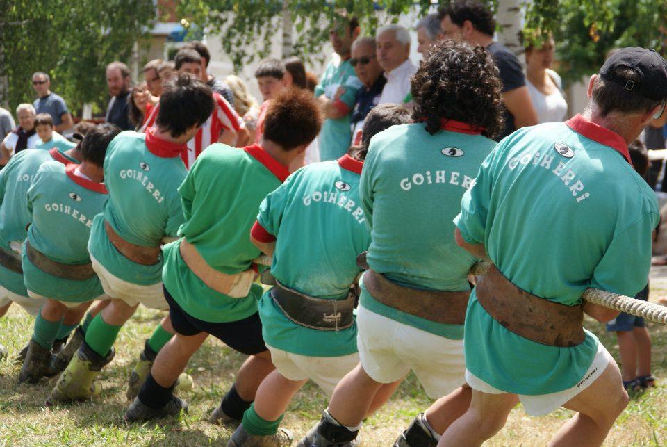 Euskadiko Lur Gaineko Sokatira Txapelketako aurreneko jardunaldia jokatu zen larunbatean