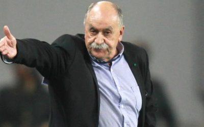 """Xabier Azkargorta: """"Jokalariek ez dute kurrikulumean Euskal Selekzioan jokatu dutenik aipatzen"""""""