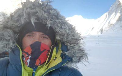 Txikonen espedizioak bertan behera utzi du Everesteko saiakera